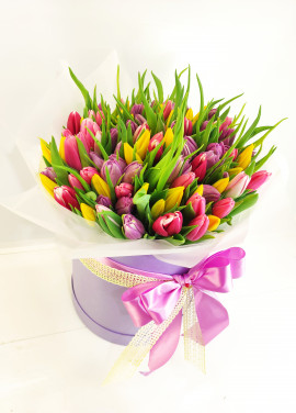 Mix Tulips in a hat box
